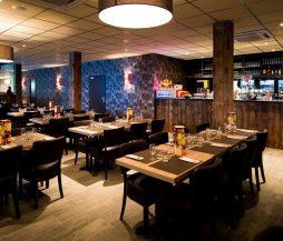Vue sur le restaurant à volonté et le bar