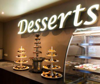 De nombreux desserts à volonté